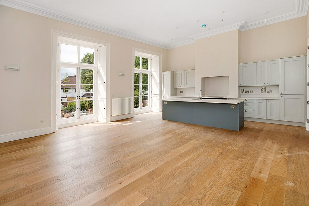 1 Wynlaton House - Kitchen and dining area